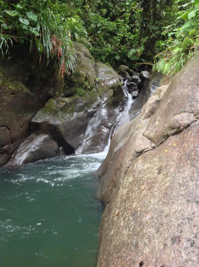 wodospad bassin blue